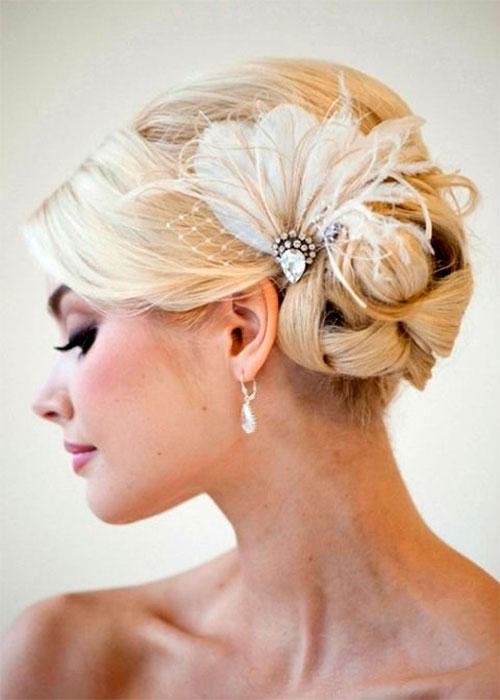 Стрижки и прически для невест на средние волосы