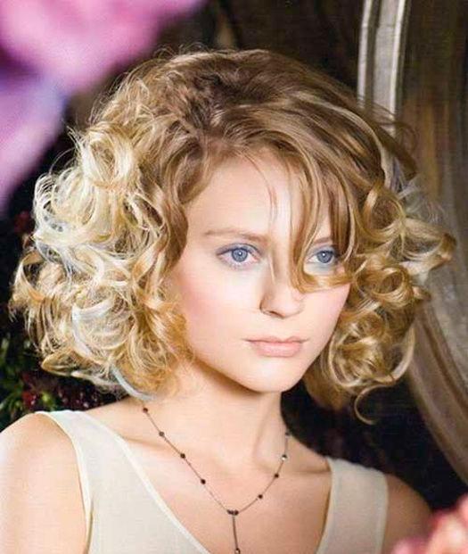 Женская укладка средних волос